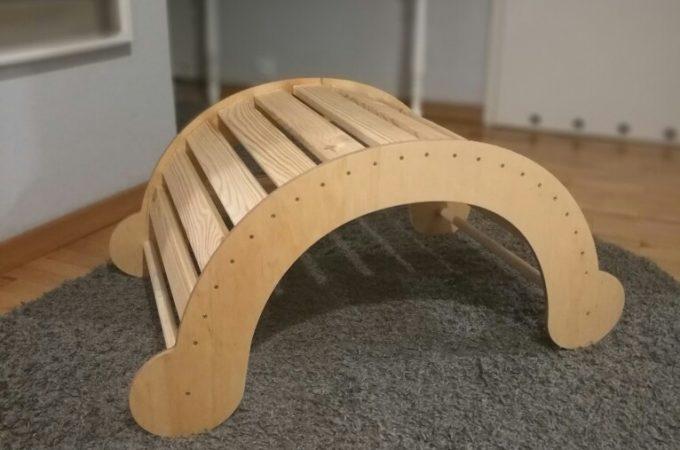 DIY: drewniany bujak dla dzieci + projekt do pobrania