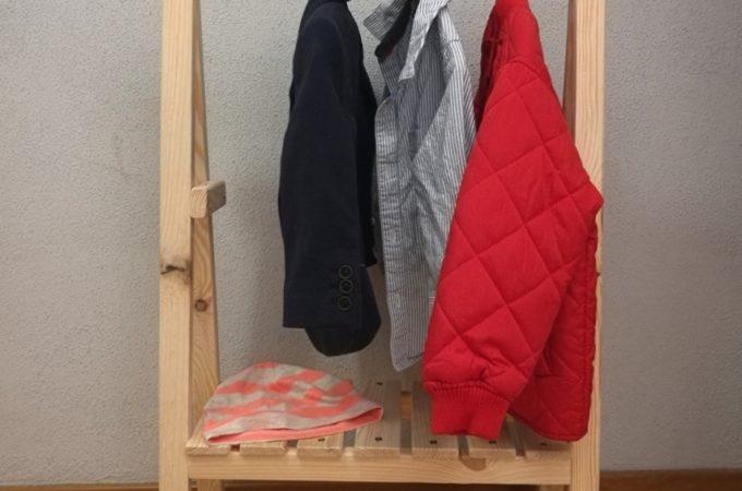 DIY : wieszak dla dziecka w stylu Montessori