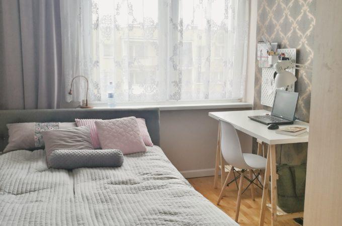 DIY: biurko na kozłach