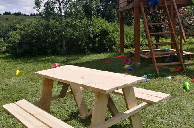 DIY Drewniany stolik ogrodowy dla dzieci