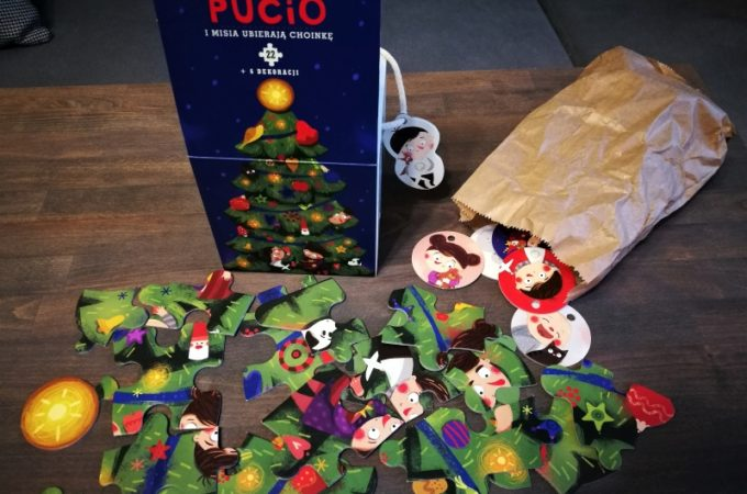 Misia i Pucio ubierają choinkę – recenzja