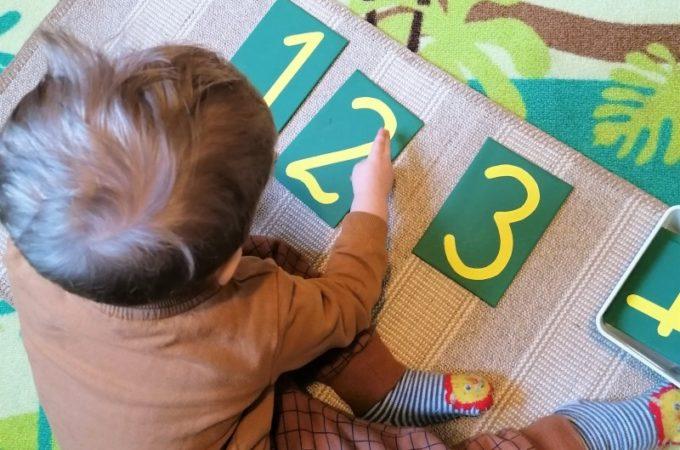 DIY Szorstkie cyfry Montessori – jak z nimi pracować?