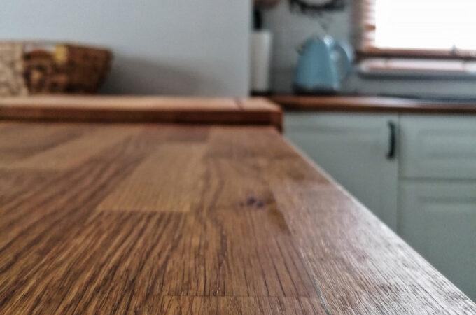 Olejowanie drewnianego blatu kuchennego