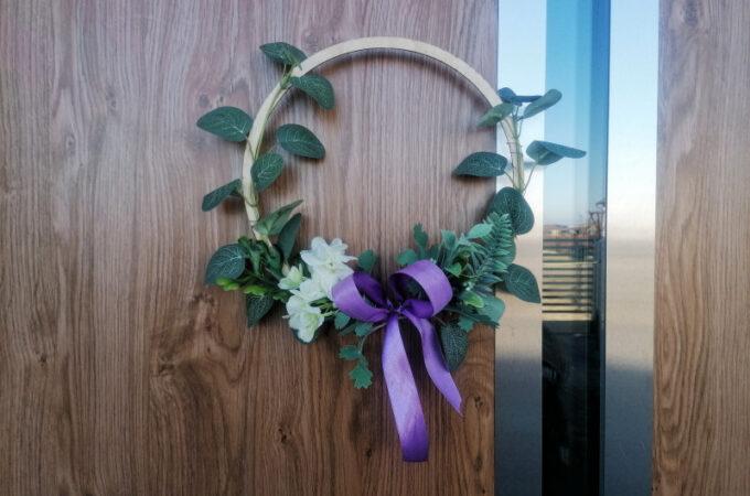 DIY wiosenny wianek na drzwi